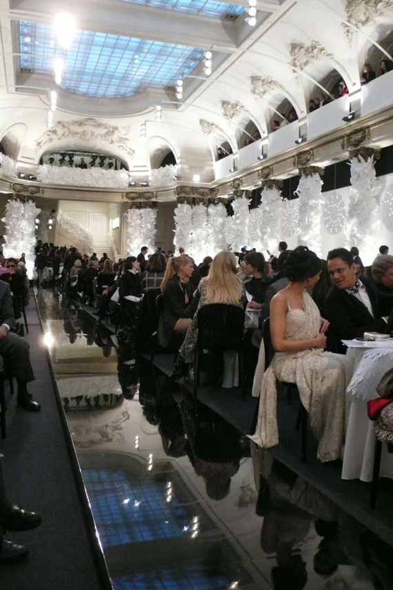 "Chanel ""Karl Lagerfeld"" paper ""laser cut"" ""paper flowers"""